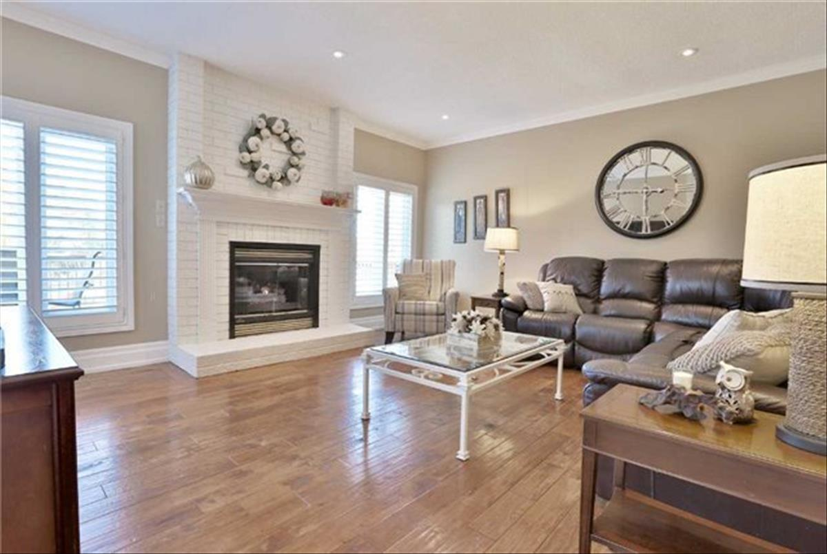 15 Willow Wood Pl East Gwillimbury Michelle Refani and Shervin Zeinalian